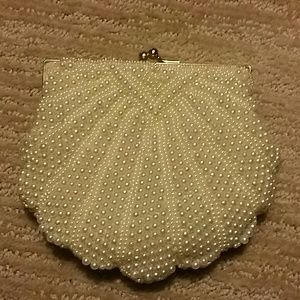 🎈Just Reduced🎈Pearl dress purse -EUC!!!
